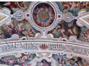 Detalle de pintura al fresco en la Iglesia de San Luis de los franceses en Sevilla