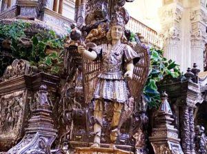 Images de l'intérieur de l'église du Sauveur de Séville