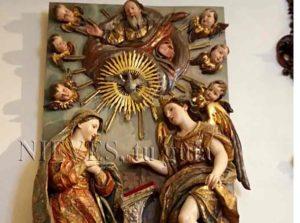 Detalles del interior de la Iglesia del Salvador de Sevilla