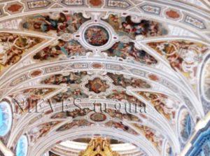 Détail des fresques dans les voûtes de l'église de San Luis de los Francesa à Séville