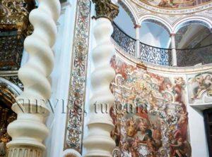 Pinturas frescos de la Iglesia de San Luis de los franceses en Sevill