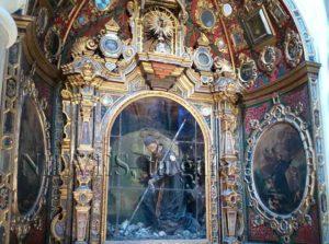 Hornacina acristalada de la Iglesia de San Luis de los franceses en Sevilla