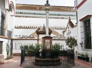 Plaza interior Hospital de la Caridad